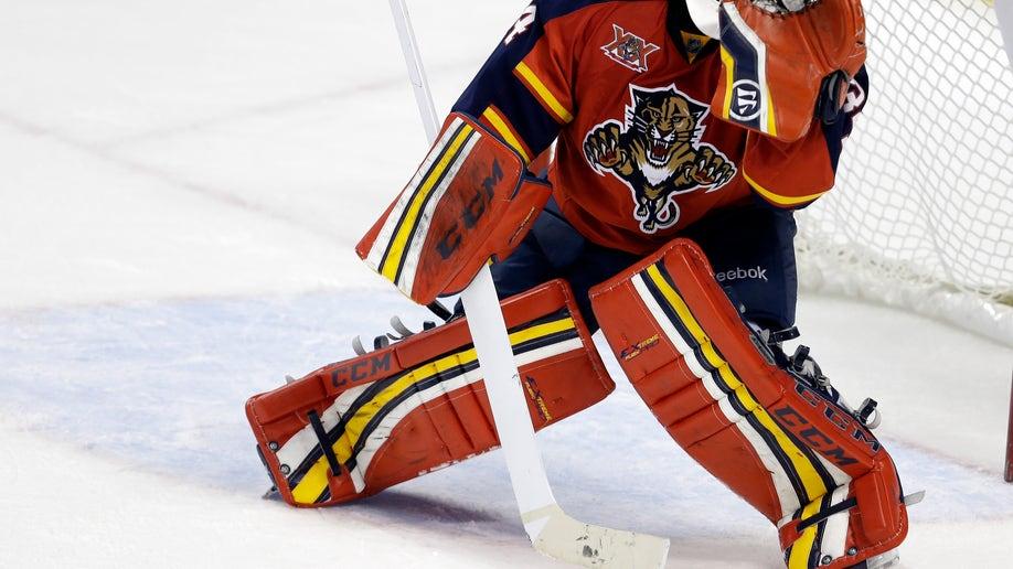 b2484e7c-Islanders Panthers Hockey