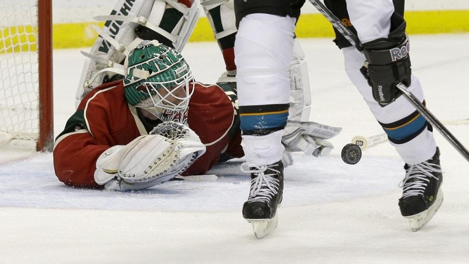 4483e0a8-Sharks Wild Hockey