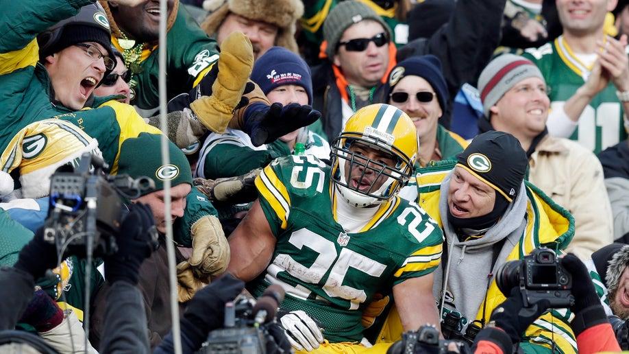 ec4a937a-Titans Packers Football