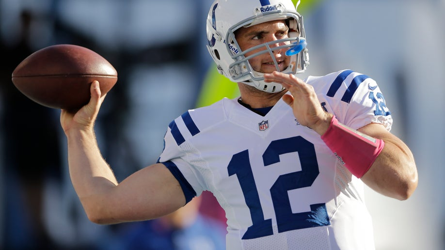 0a5e654d-Colts Chargers Football