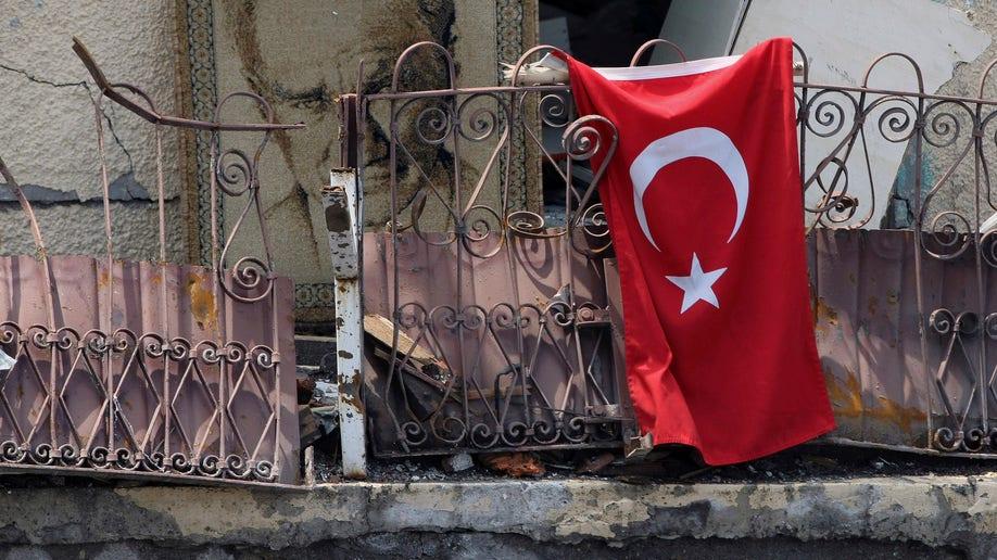 575ce7a4-Turkey Explosion