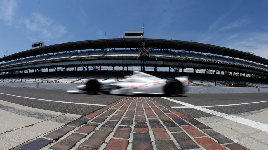 058e5c49-IndyCar Indy 500 Auto Racing