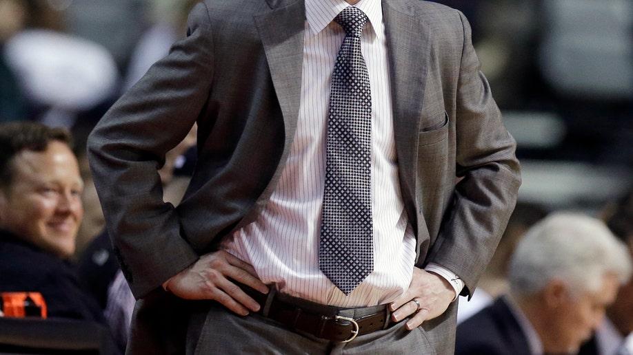 0d3926e5-76ers Pistons Basketball