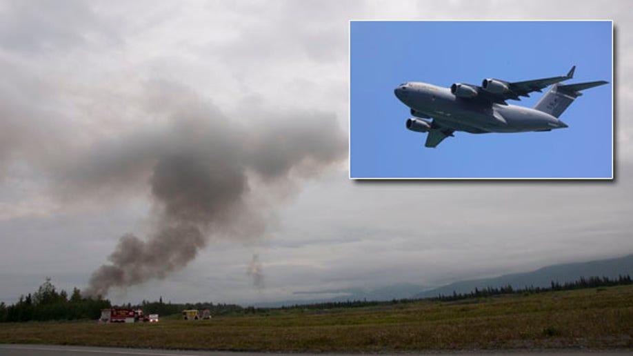 2bf807ec-APTOPIX Military Plane Crash