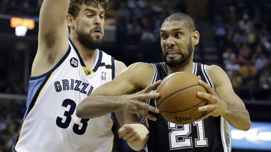 3c617a38-Spurs Grizzlies Basketball