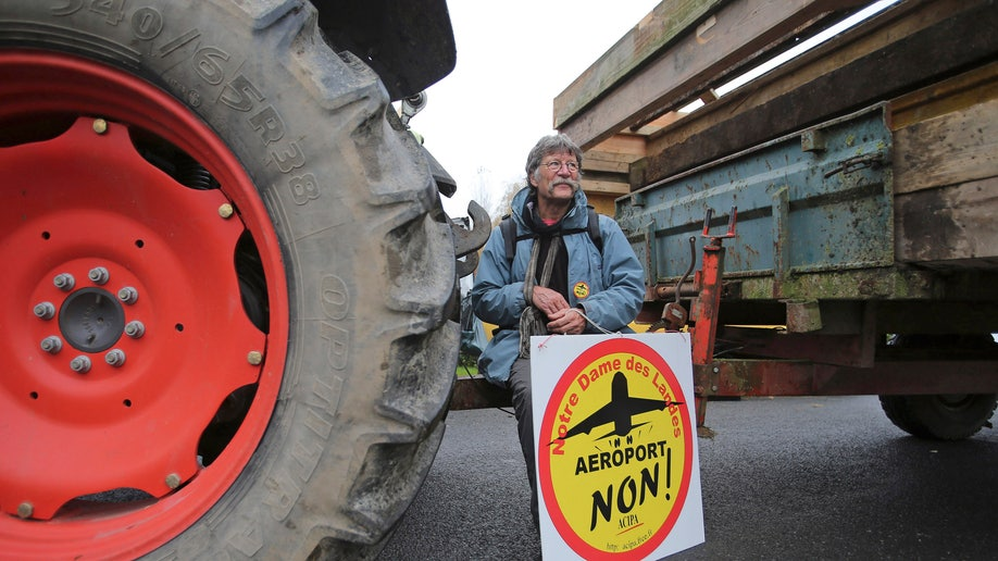 68462fb9-France Airport Protest