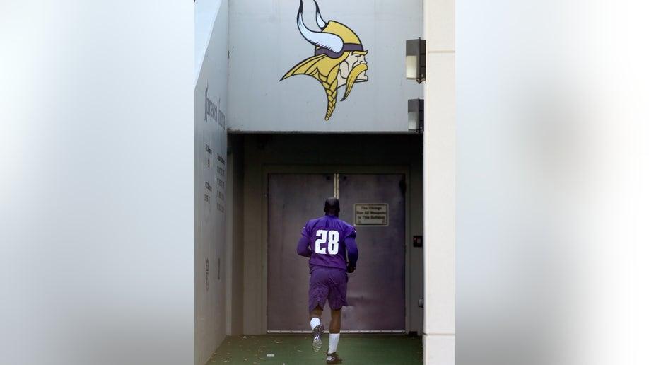 dfe25c5c-Vikings Peterson Football