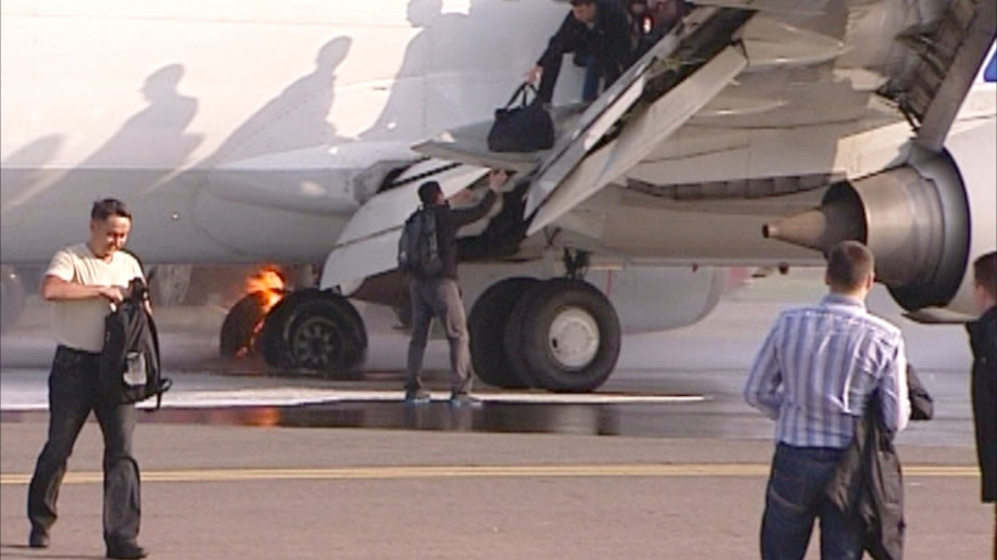 20a1b439-Russia Plane Fire