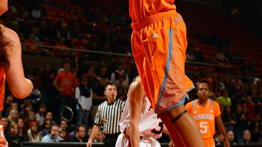 5ec6ce27-Tennessee Auburn Basketball