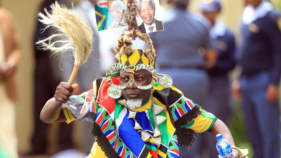 ca03a050-South Africa Mandela Mourning