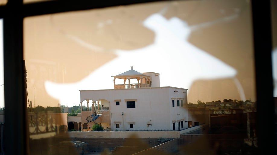 e5ab2f8e-Mali Fighting
