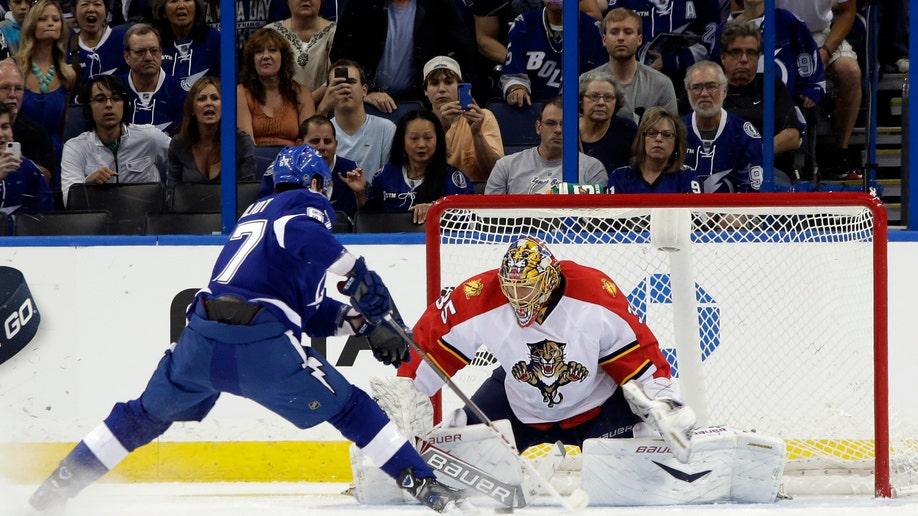 e3b0e075-Panthers Lightning Hockey