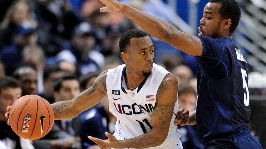 0d1c29f6-Villanova UConn Basketball