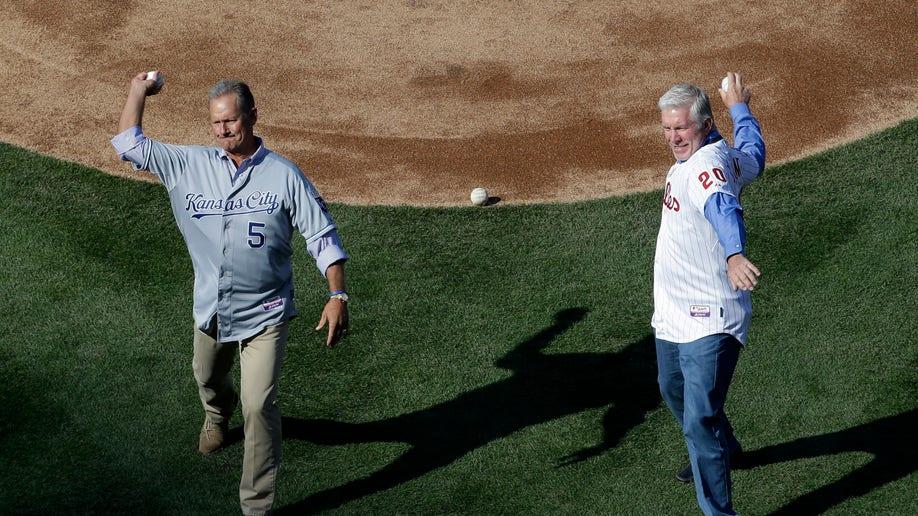 0eb24bd5-Royals Phillies Baseball