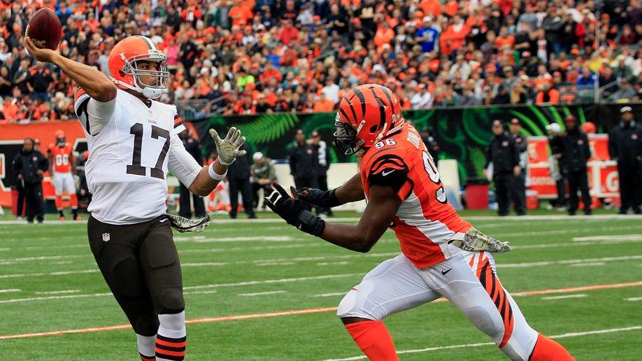 27caa7fa-Browns Bengals Football