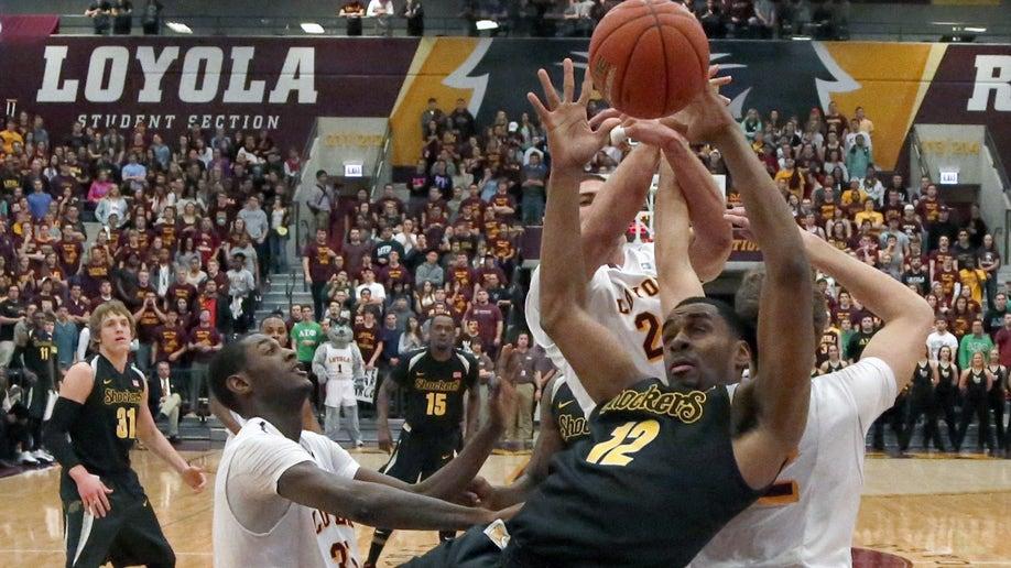 ffa5b84b-Wichita St Loyola Chicago Basketball