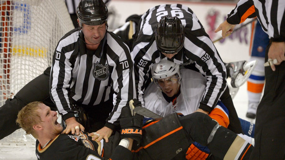 Islanders Ducks Hockey