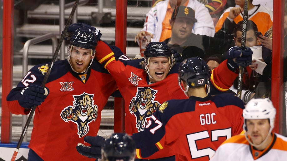 fe638eb1-Flyers Panthers Hockey
