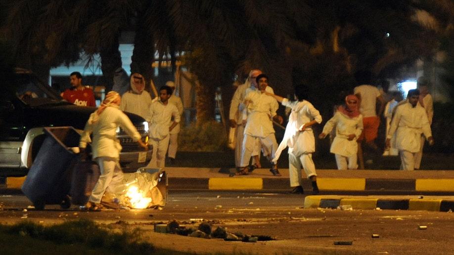 bb9282a0-Mideast Kuwait Showdown