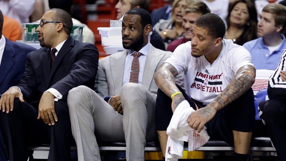 Bulls Heat James Out Basketball