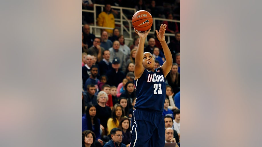 8fde933b-UConn St Johns Basketball