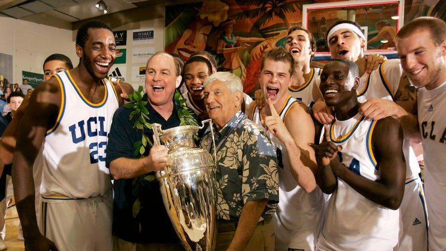 Maui Turns 30  Basketball