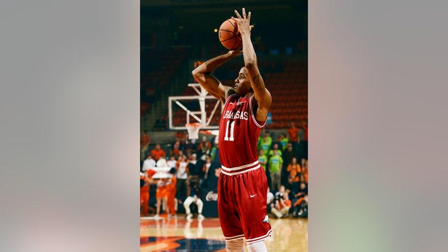 1c1bc737-Arkansas Auburn Basketball
