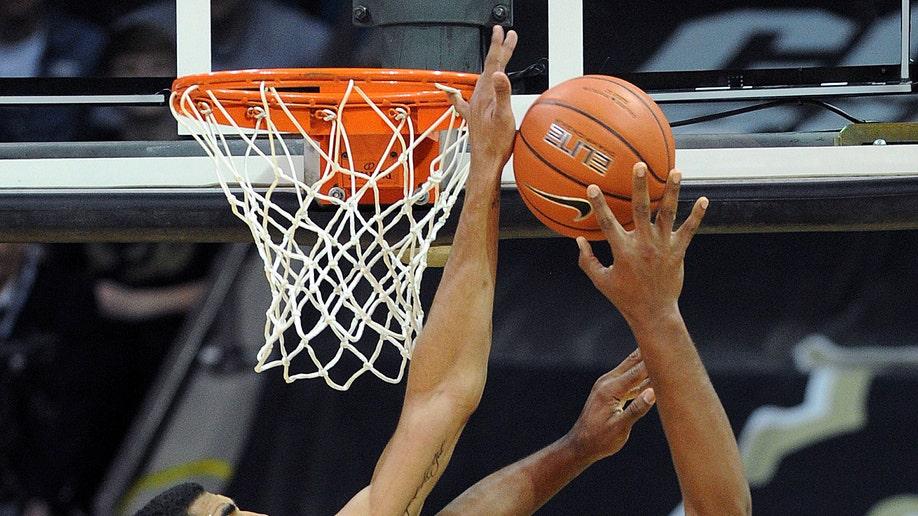 8faba47f-Colorado Washington Basketball