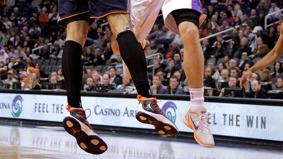 8c5e6398-Bobcats Suns Basketball