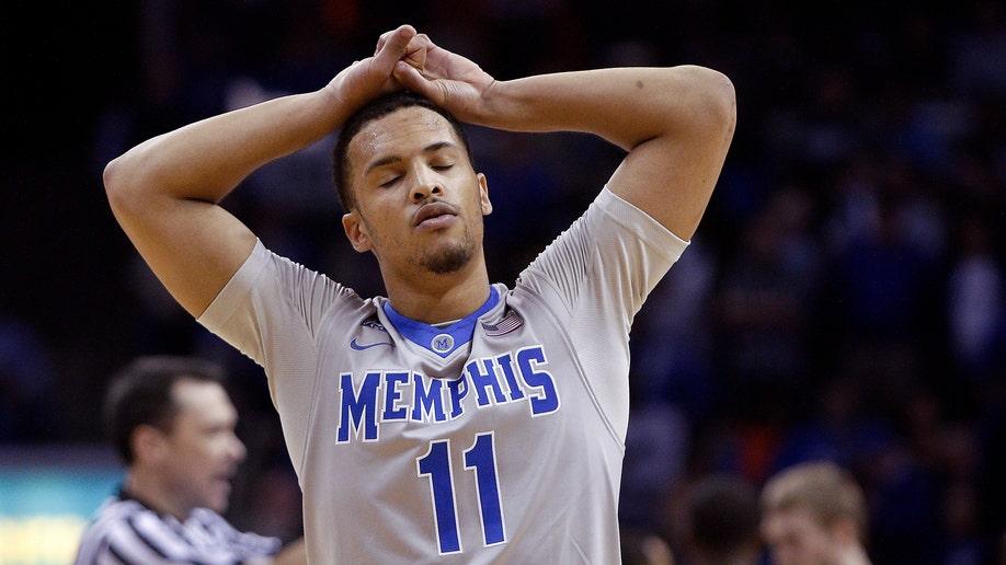 5a3841db-UConn Memphis Basketball