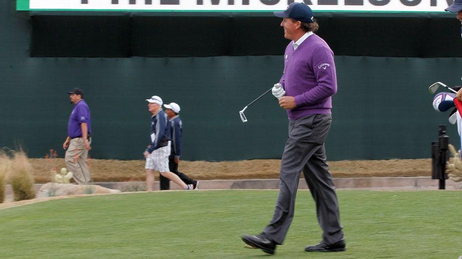 1003d135-Phoenix Open Golf