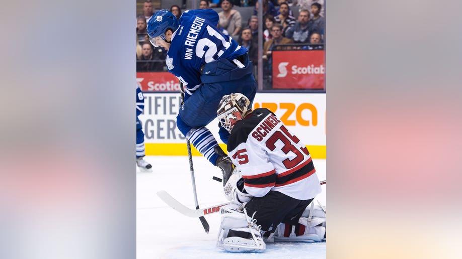 f47f6e52-Devils Maple Leafs Hockey