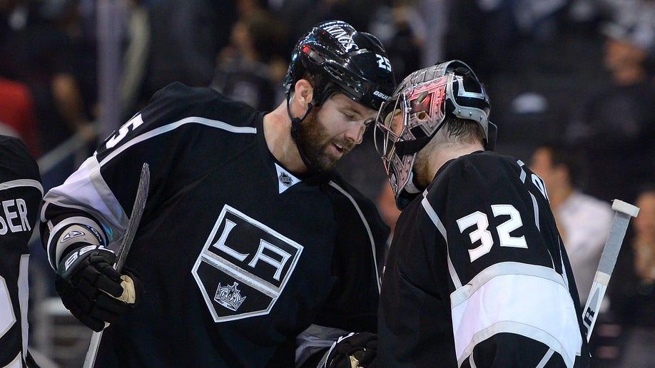 376f7eab-Sharks Kings Hockey