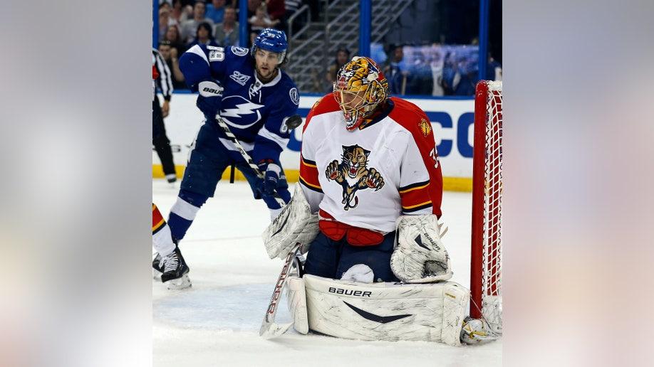 91498112-Panthers Lightning Hockey