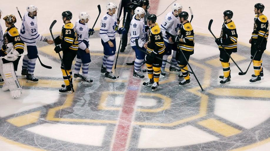 ceab646b-Maple Leafs Bruins Hockey