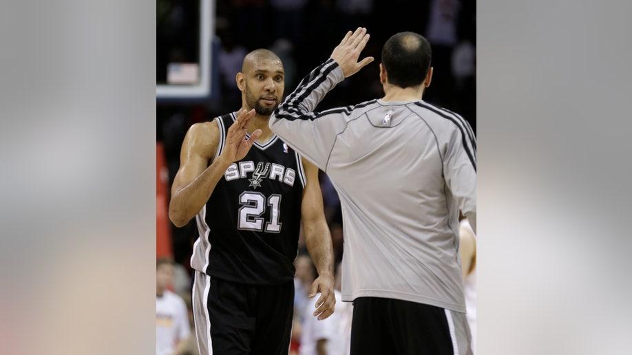 Spurs Cavaliers Basketball