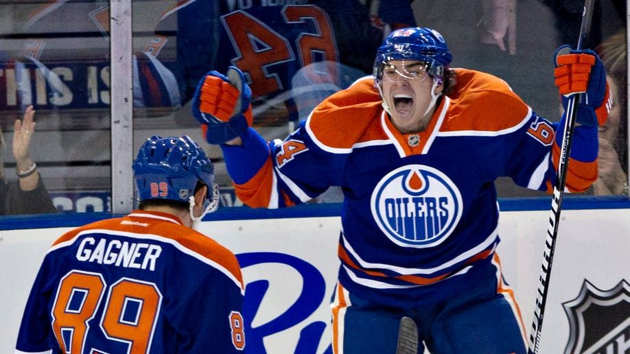 19c64faf-Sharks Oilers Hockey