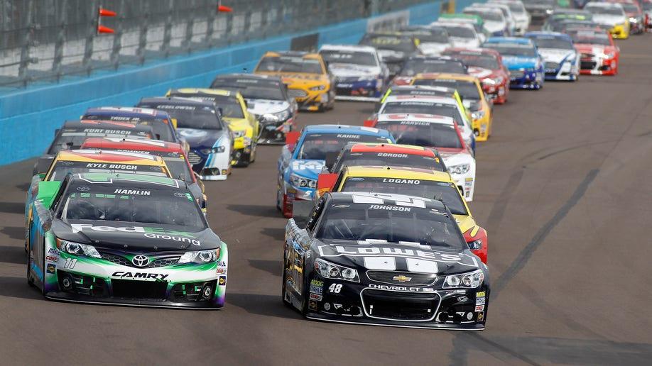 cecda14a-NASCAR Phoenix Auto Racing