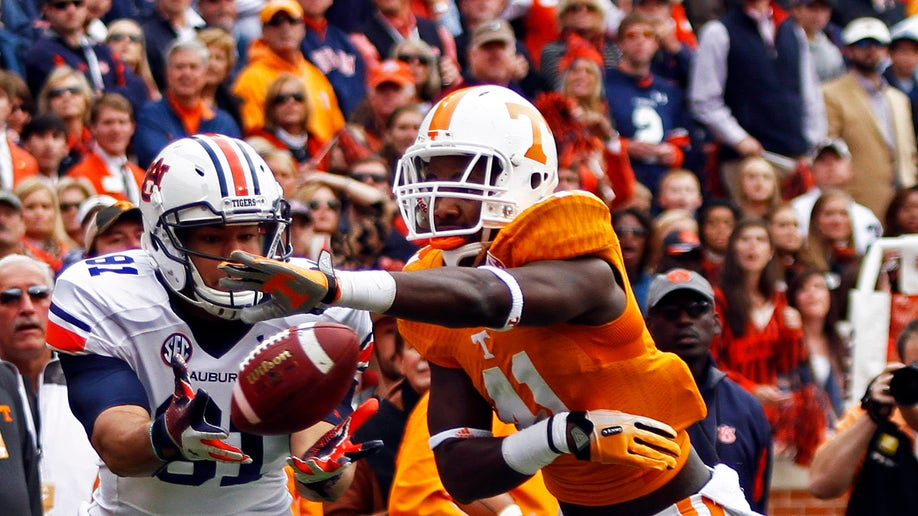 26df2a57-Auburn Tennessee Football