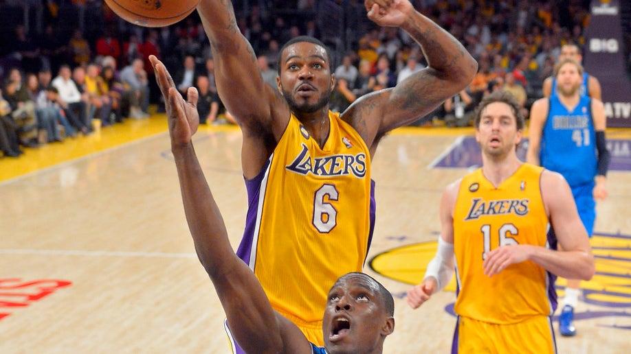 3b88a4b7-Mavericks Lakers Basketball