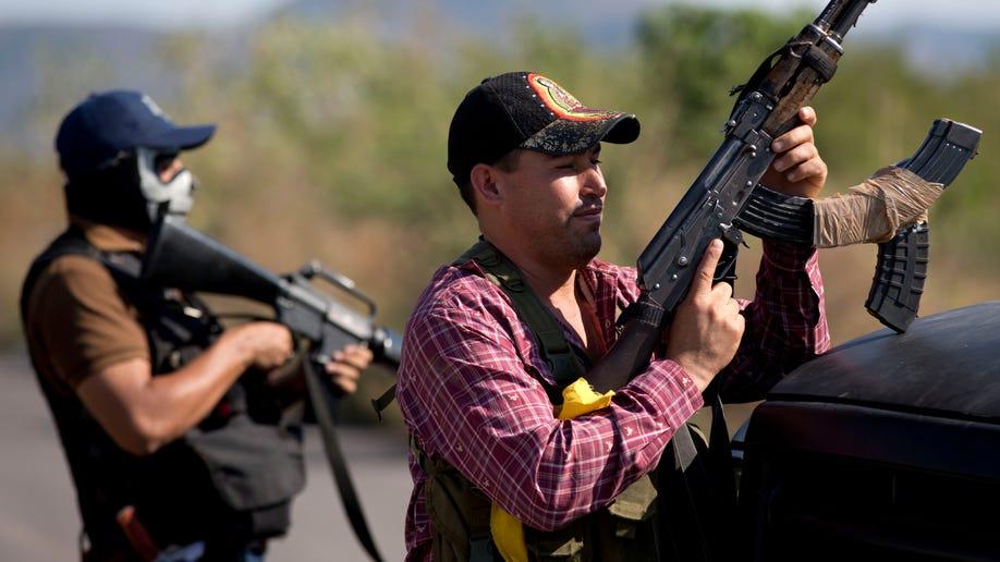 b19e85a7-Mexico Vigilantes