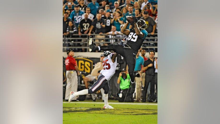 3a05e9fa-Texans Jaguars Football