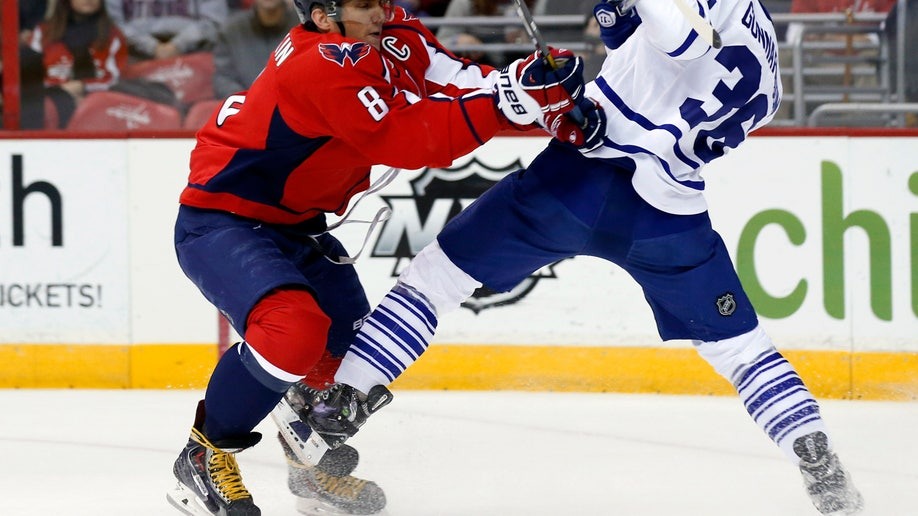 3d6d9c48-Maple Leafs Capitals Hockey