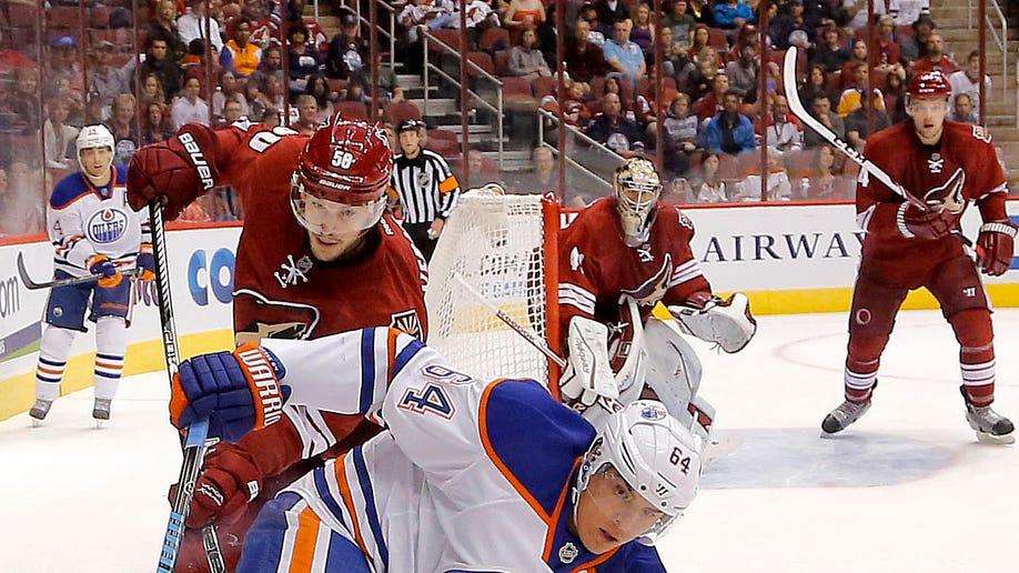 39062536-Oilers Coyotes Hockey