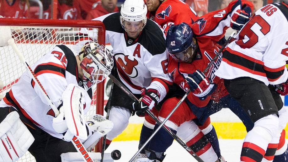 aad0b112-Devils Capitals Hockey