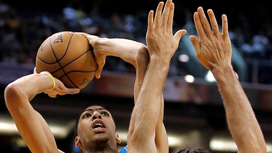 ad11043a-Hornets Suns Basketball