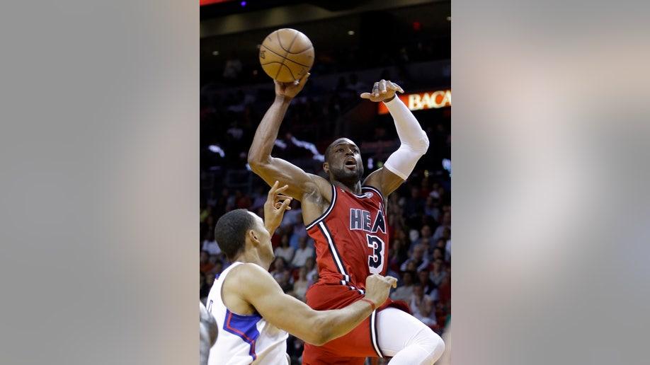 026c5d65-Clippers Heat Basketball