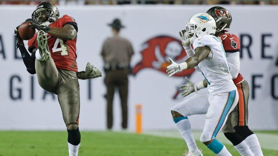 Dolphins Buccaneers Football
