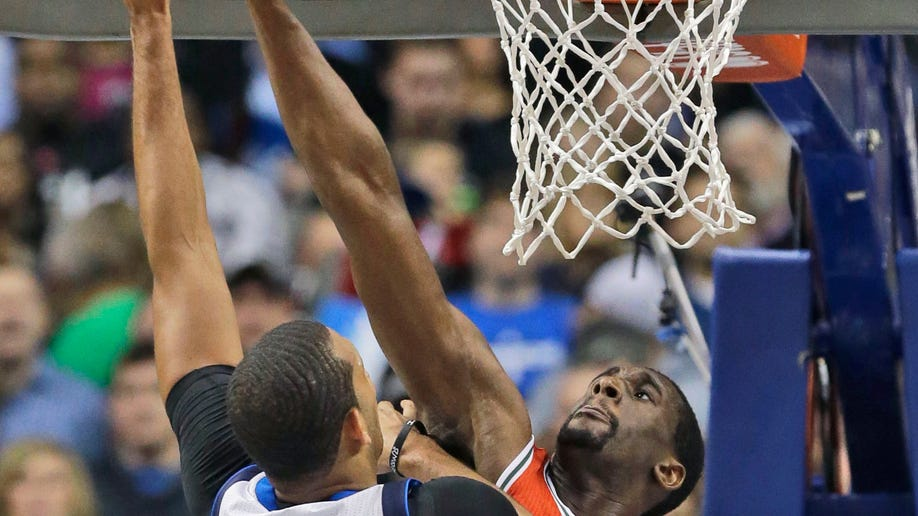 7745f5ab-Bucks Mavericks Basketball