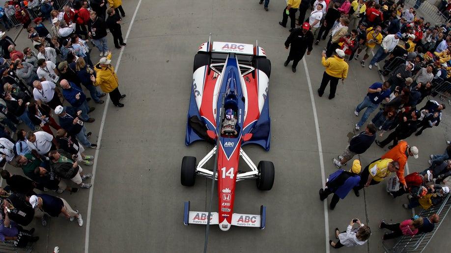7e649b3a-IndyCar Indy 500 Auto Racing